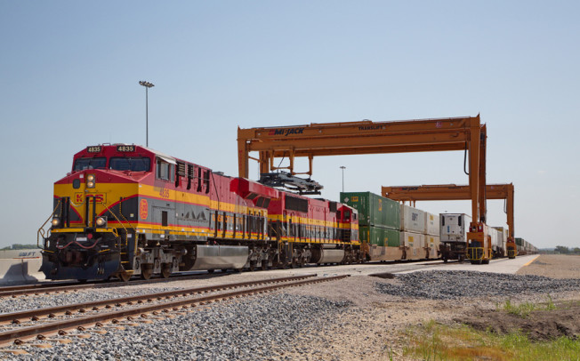 Intermodal shipping terminal opens in Wylie