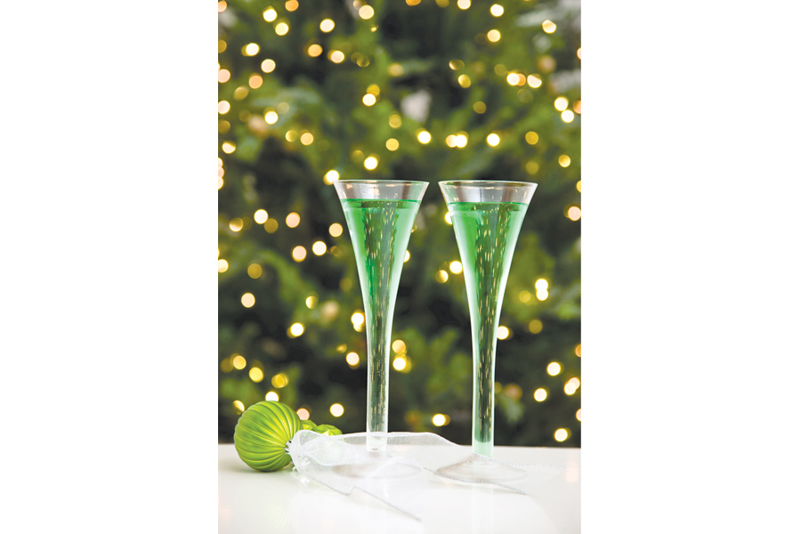 4 holiday party must-haves