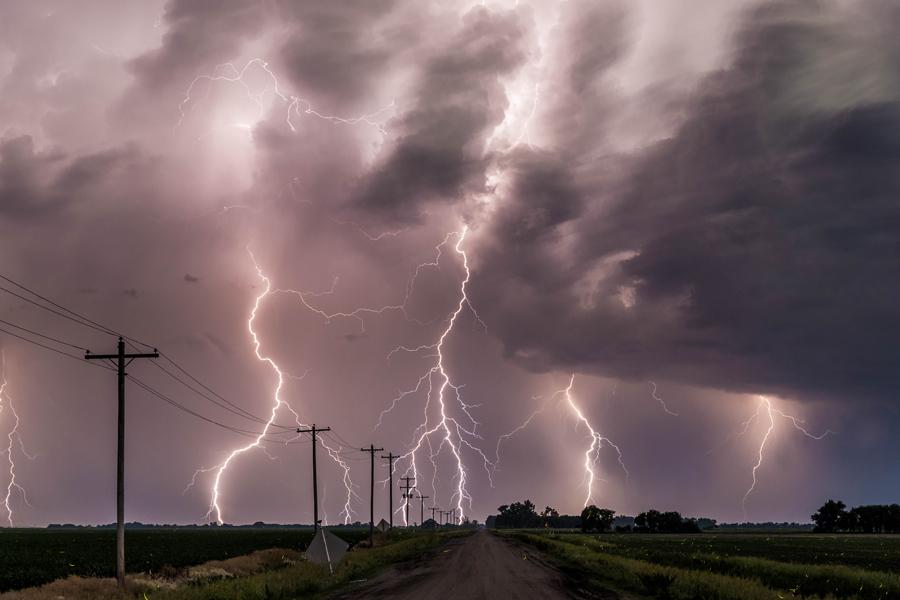 Large hail, severe weather anticipated tonight