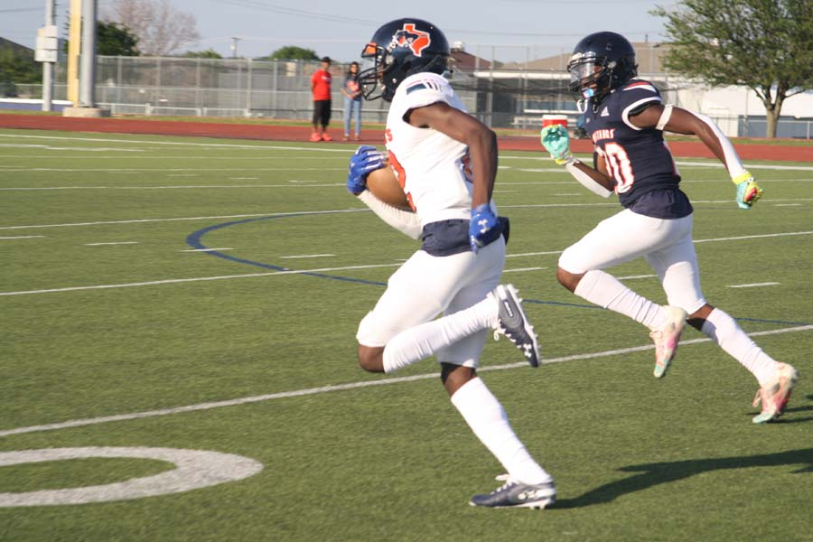 Mustangs hit field for spring game
